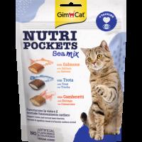 GimCat Nutri Pockets – Хрупкави джобчета Морски коктейл със сьомга, пъстърва и скариди + таурин
